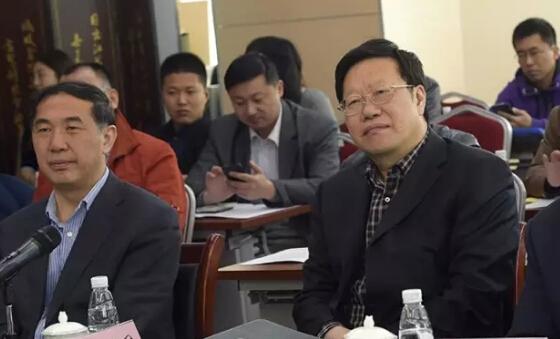 政部党组成员 全国老龄办常务副主任王建军 右一 参加了研讨会 -公益